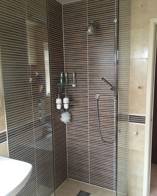 This is the second picture of the previous wetroom.